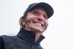 Emerson Fittipaldi attends the the Laureus Sport for Good Run prior