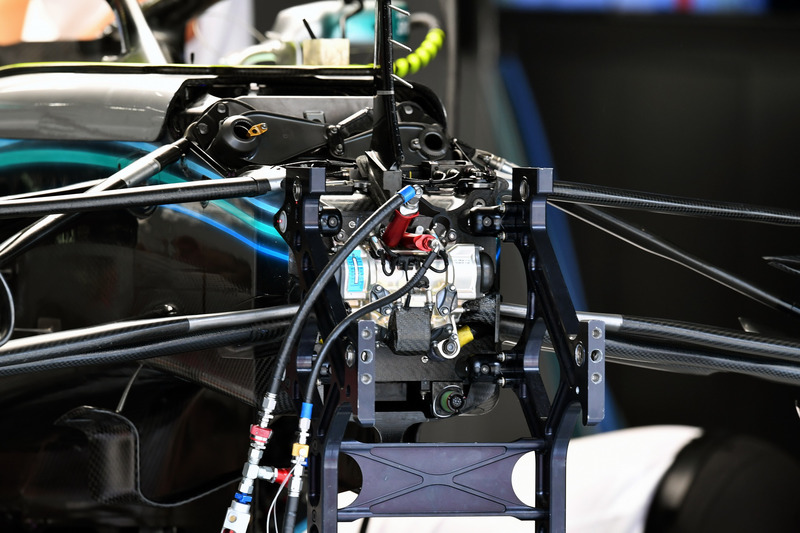 Mercedes-AMG F1 W09 front suspension and chassis detail