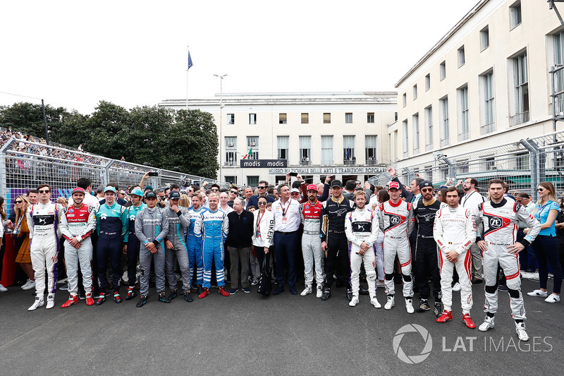 2018 Formula E drivers line up on the grid in Rome