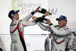 Podium: second place Earl Bamber, third place Andre Lotterer