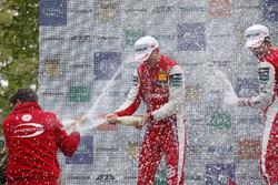 Podyum: Yarış galibi Guanyu Zhou, PREMA Theodore Racing Dallara F317 - Mercedes-Benz, 2. Ralf Aron, PREMA Theodore Racing Dallara F317 - Mercedes-Benz