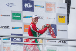 Podium: Race winner Maximilian Günther, Prema Powerteam Dallara F317 - Mercedes-Benz