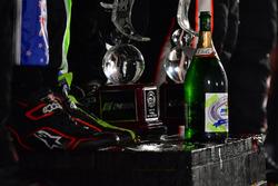 P Podyum: Yarış galibi Scott Sharp, Ryan Dalziel, Brendon Hartley, Tequila Patrón ESM