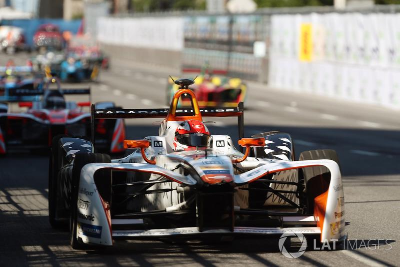 Loic Duval, Dragon Racing, y Nick Heidfeld, Mahindra Racing