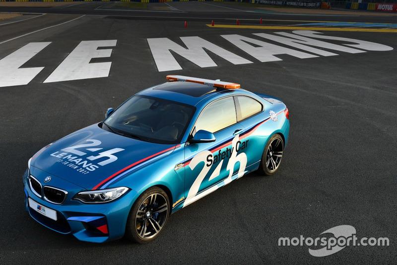 BMW M2 Le Mans safety car