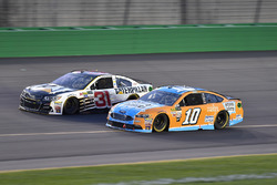 Ryan Newman, Richard Childress Racing Chevrolet, Danica Patrick, Stewart-Haas Racing Ford