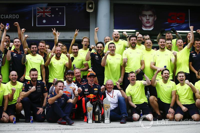 Макс Ферстаппен, Даніель Ріккардо, Red Bull Racing, з командою