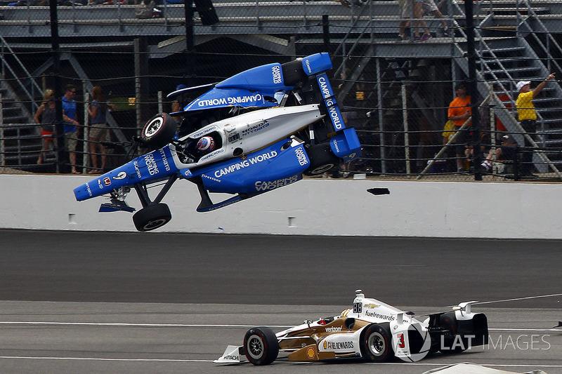 Скотт Диксон, Chip Ganassi Racing Honda и Элио Кастроневес, Team Penske Chevrolet