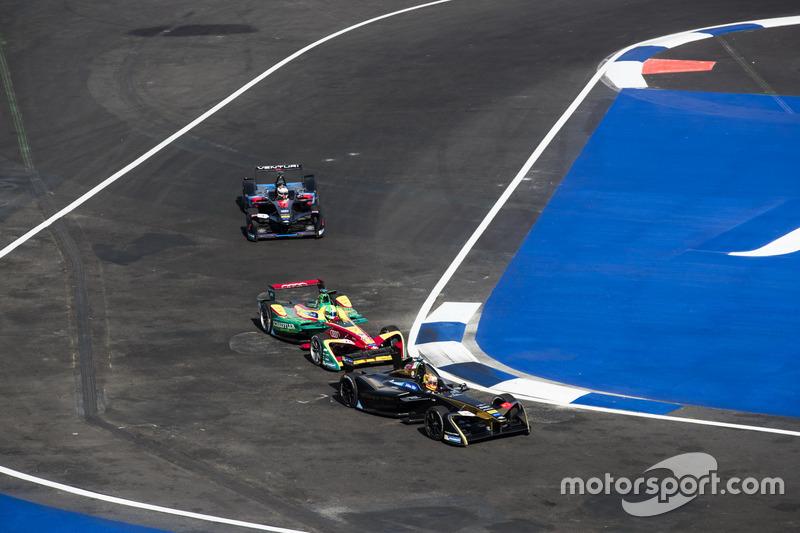 Esteban Gutiérrez, Techeetah, leads Lucas di Grassi, ABT Schaeffler Audi Sport