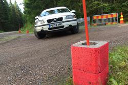 Markierungen für Strohballen in Schikanen bei der Rallye Finnland