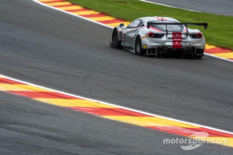 #55 AT Racing, Ferrari 488 GT3: Pieguiseppe Perazzini, Thomas Flor, Marco Cioci, Francesco Castellacci