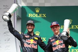 Podium: tweede plaats Daniel Ricciardo, Red Bull Racing, derde plaats Max Verstappen, Red Bull Racing