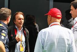 Кристиан Хорнер, руководитель Red Bull Racing и Эмерсон Фиттипальди, Ники Лауда, Mercedes и Тото Вол