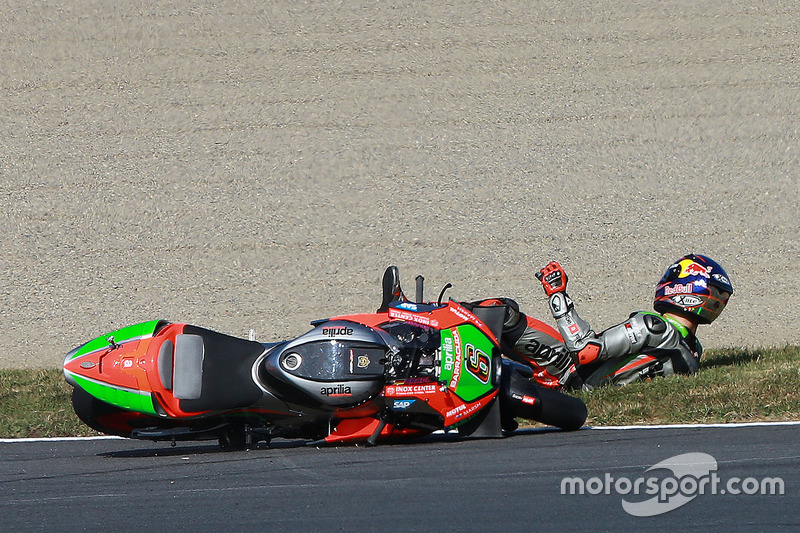 Stefan Bradl, Aprilia Gresini Racing Team crash