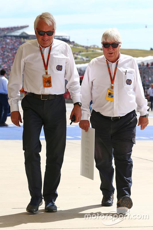 تشارلي وايتينغ، مدير السباقات وهيربي بلاش، مُفوَّض الإتحاد الدولي للسيارات