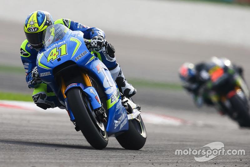 Aleix Espargaro of Spain and Team Suzuki MotoGP heads down a straight News Photo - Getty Images