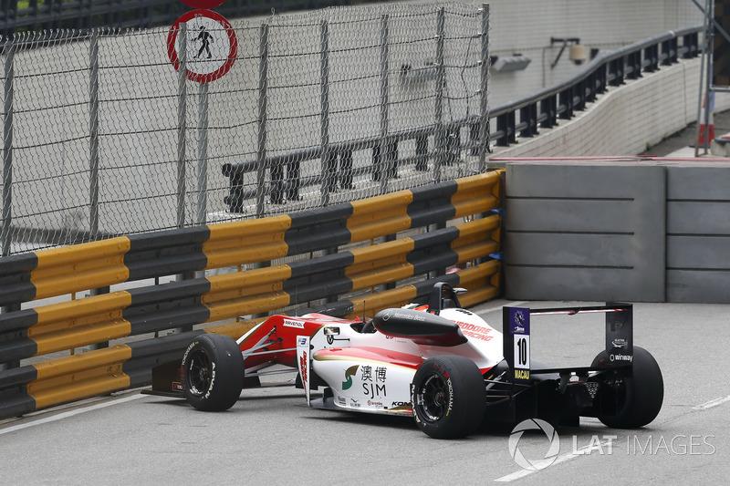 Мік Шумахер, SJM Theodore Racing by Prema, Dallara Mercedes, помилився у повороті Lisboa
