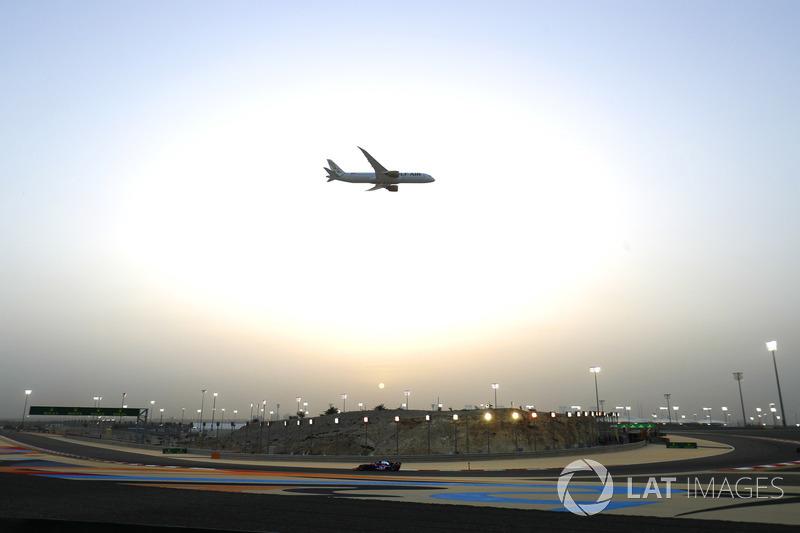 Пролет над трассой Boeing 787-8 Dreamliner авиакомпании Gulf Air