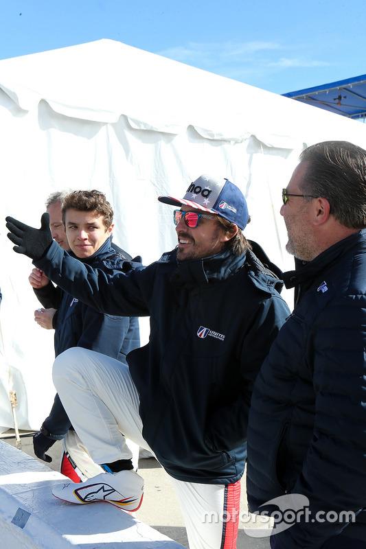Lando Norris, United Autosports, Fernando Alonso, United Autosports, Zak Brown