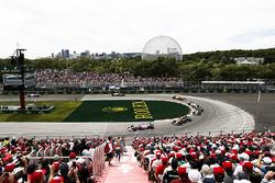Эстебан Окон, Sahara Force India F1 VJM11, Нико Хюлькенберг и Карлос Сайнс, Renault Sport F1 Team RS18, Шарль Леклер, Alfa Romeo Sauber C37