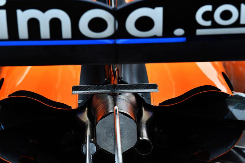 McLaren MCL33 exhaust