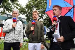Ведущие Sky TV Дэймон Хилл, Нико Росберг и Саймон Лазенби