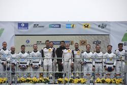 Podio: i vincitori #912 Manthey Racing Porsche 911 GT3 R: Richard Lietz, Patrick Pilet, Frédéric Makowiecki, Nick Tandy, al secondo posto #4 Mercedes-AMG Team Black Falcon Mercedes-AMG GT3: Maro Engel, Adam Christodoulou, Manuel Metzger, Dirk Müller, al terzo posto #5 Mercedes-AMG Team Black Falcon Mercedes-AMG GT3: Yelmer Buurman, Thomas Jäger, Jan Seyffarth, Luca Stolz