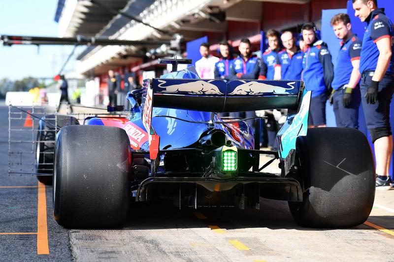 Детали задней части Toro Rosso STR13