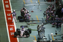 Серхіо Перес, Sahara Force India F1 VJM10, піт-стоп