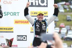 Podium: race winner Tom Ingram, Speedworks Motorsport Toyota Avensis