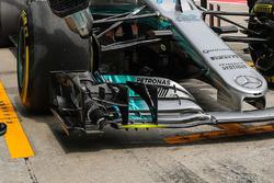Mercedes F1 W08, ala anteriore