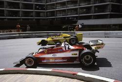Gilles Villeneuve, Ferrari 312T3 dépasse Emerson Fittipaldi, Copersucar F5A-Ford