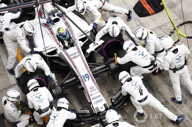 Felipe Massa, Williams FW40, tijdens de pitstop