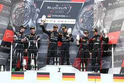 Podium: winnaars Franck Perera, Maximilian Buhk, tweede Andrea Caldarelli, Ezequiel Perez Companc, derde Marcel Fassler, Dries Vanthoor