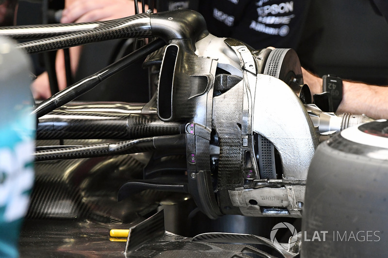 Mercedes-Benz F1 W08 detalle del eje de rueda trasera