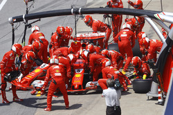 Sebastian Vettel, Ferrari SF70H, makes pit stop for a change of nose