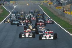 Старт гонки: Герхард Бергер и Айртон Сенна, McLaren MP4/6 Honda, Найджел Мэнселл, Williams FW14 Renault, Михаэль Шумахер, Benetton B191 Ford, Риккардо Патрезе, Williams FW14 Renault, и Жан Алези, Ferrari 643