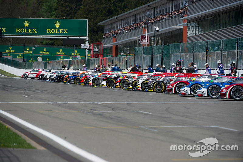 Cars before the formation lap
