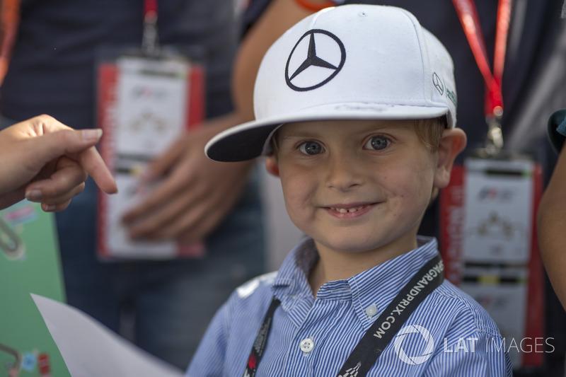 A little Mercedes fan