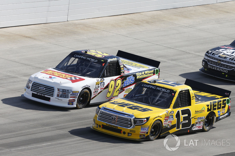Cody Coughlin, ThorSport Racing, Toyota; Regan Smith, Ricky Benton Racing, Ford