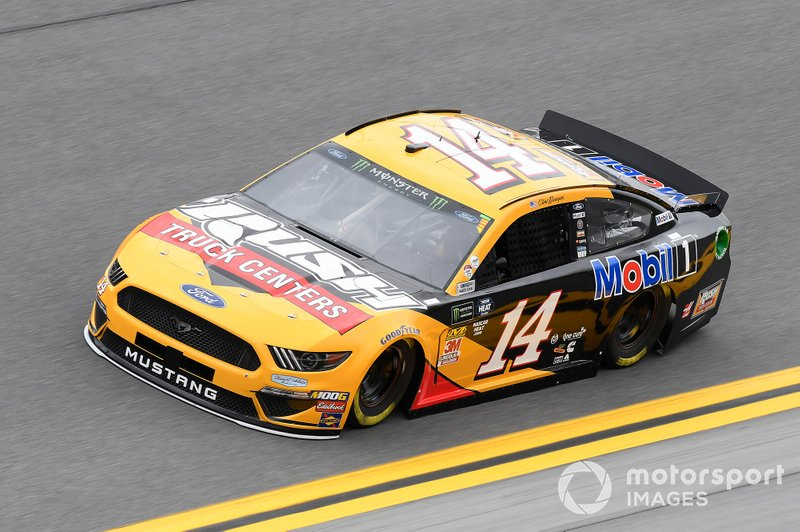 6. Clint Bowyer, Stewart-Haas Racing, Ford Mustang Rush Truck Centers/Mobil 1