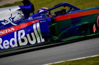 Alex Albon, Scuderia Toro Rosso STR14, avec de la peinture aéro