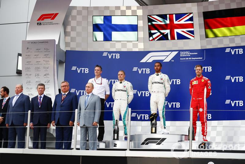 Russie - Podium : Lewis Hamilton, Valtteri Bottas, Sebastian Vettel