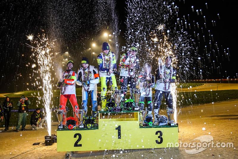 Podium: 1. Valentino Rossi und Franco Morbidelli, 2. Mattia Pasini und Lorenzo Baldassarri, 3. Dennis Foggia und Federico Fuligni