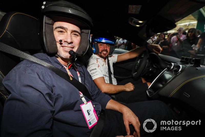 Jimmie Johnson con Fernando Alonso, McLaren
