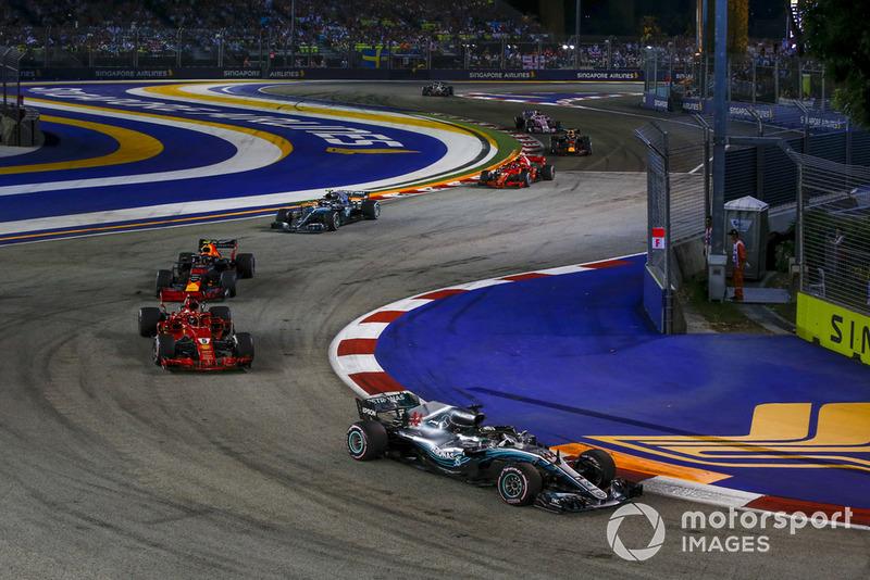Vettel bem que tentou perseguir o britânico, mas não conseguiu
