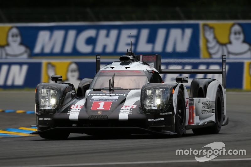 2: #1 Porsche Team Porsche 919 Hybrid: Timo Bernhard, Mark Webber, Brendon Hartley