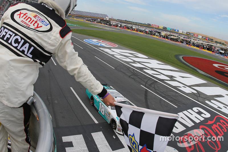 Sieg für Denny Hamlin, Joe Gibbs Racing Toyota