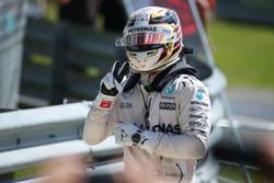 Il vincitore della gara Lewis Hamilton, Mercedes AMG F1 W07
