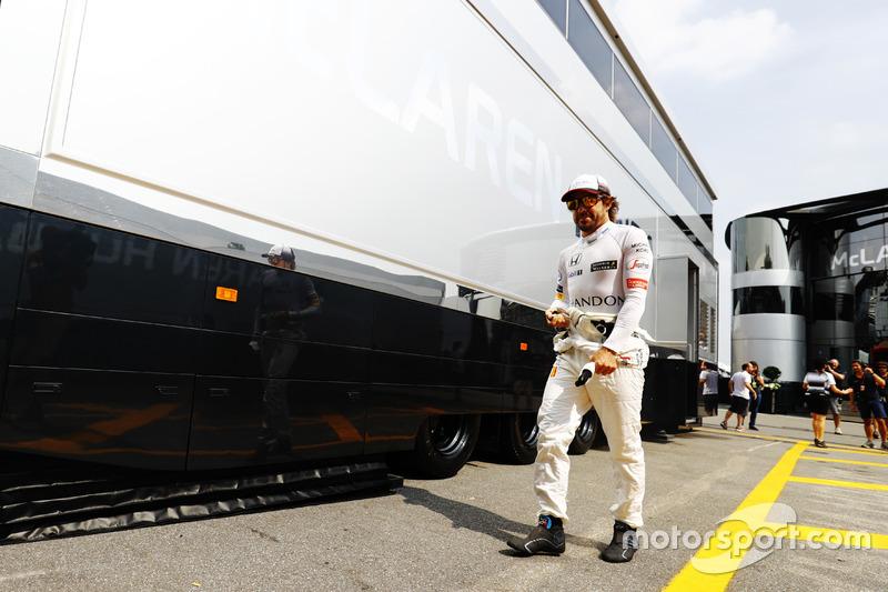 Fernando Alonso, McLaren in the paddock